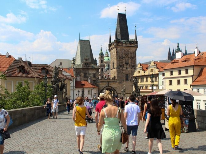 Free Walking Tour of Prague, Charles Bridge