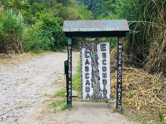 sign for the Pipeline Trail in Boquete Panama